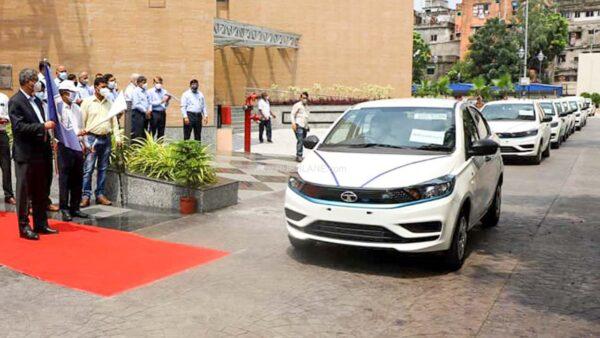 Tata XPRES-T electric sedan launched. Delivers 14 EVs in Kolkata