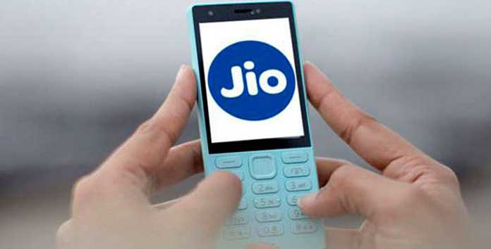 Here are the cheapest 4G tariff data plans you can avail of in May 2017 from Reliance Jio, Airtel, Vodafone, Idea and BSNL