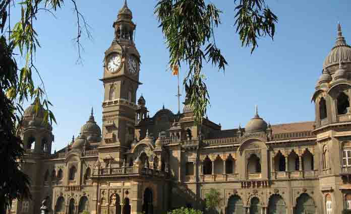 The lakh of Mumbai University (MU) students fate are uncertain for post-graduation admission as the MU has failed to announce results so far (Photo/Agency)