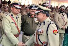 UP Police DGP O P Singh greeting officers before ceremonial parade during Police week 2018 at Reserve Police Lines, Lucknow. (Representative Image/UPPolice/Twitter)