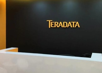 Teradata reports total revenue of $588 million in Q4