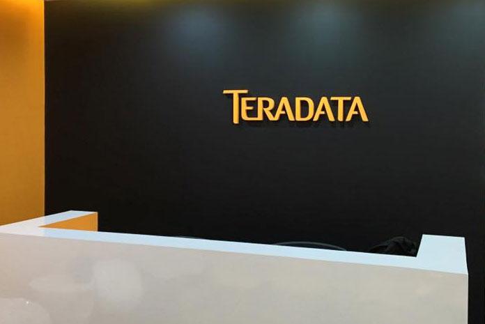 Teradata reports total revenue of $588 million in Q4