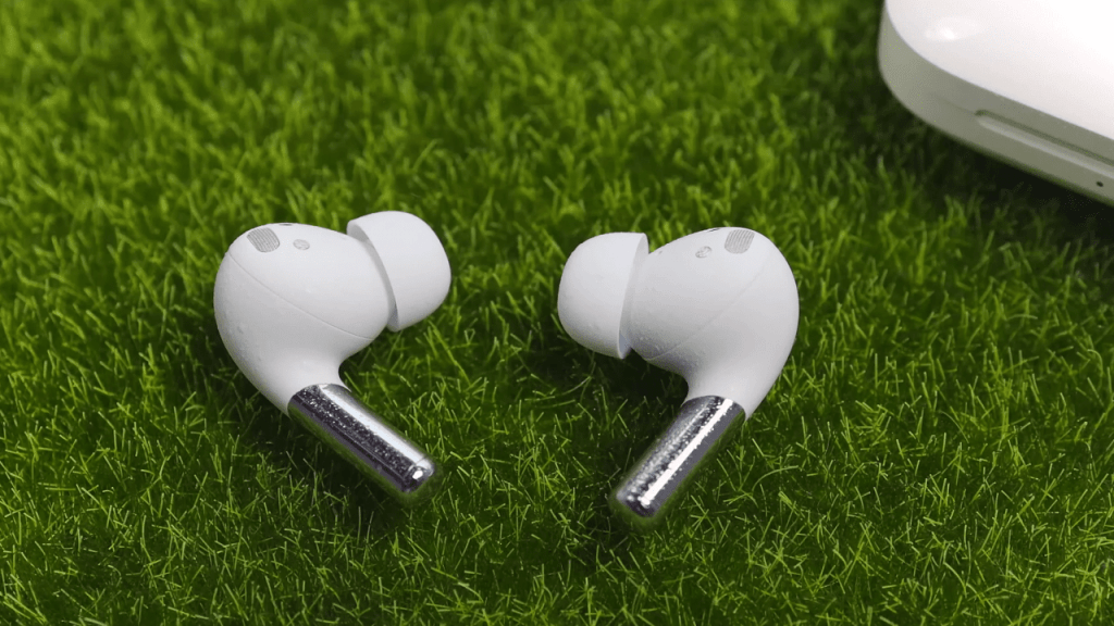 comparison between OnePlus Buds Pro and Sony WF-1000XM4