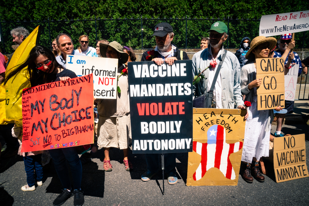 antivax protesters