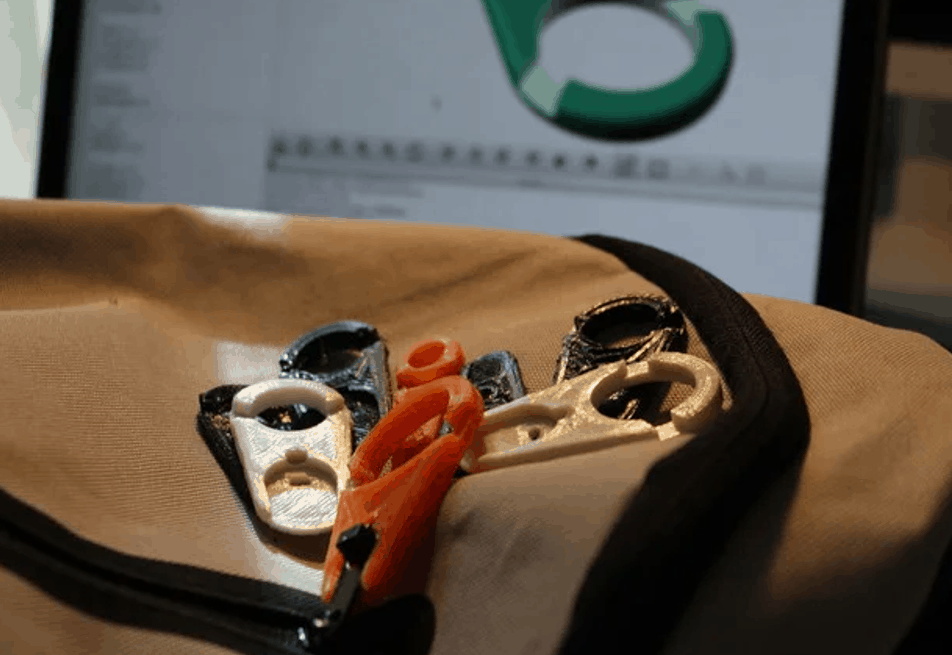 Multiple 3D printed zippers