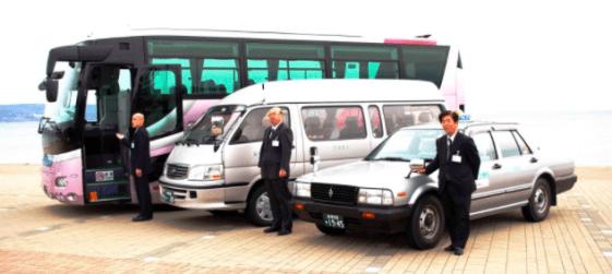 日本旅遊巴士與計程車