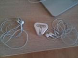 iphone_earbuds_washing_machine