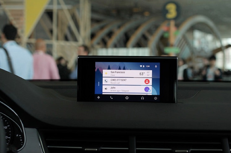 Apple CarPlay or Android Auto –which one leads the dashboard
