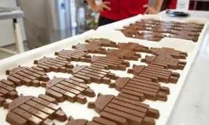 Android robot-shaped KitKat bars