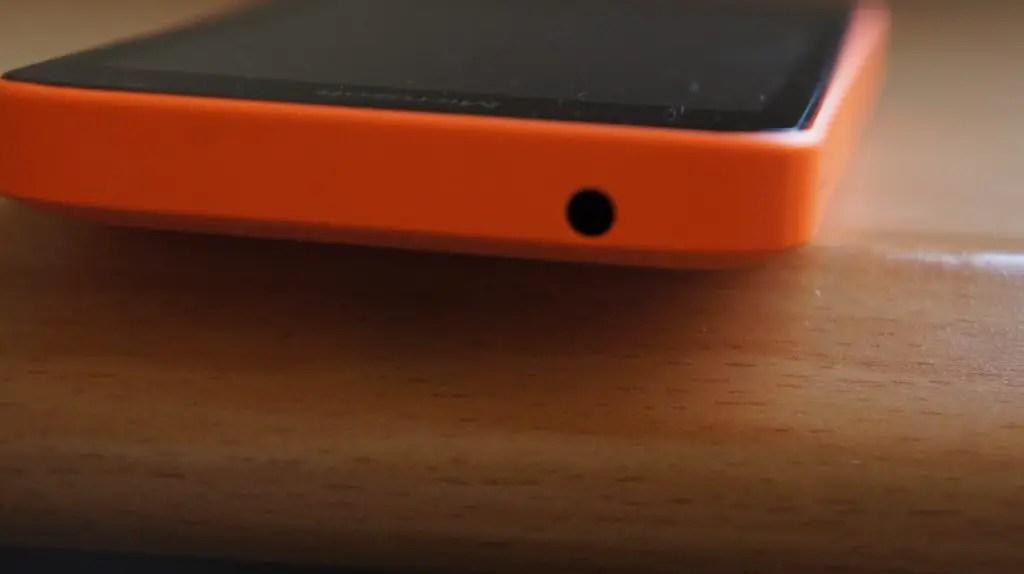 DSC01698 1024x574 - The Microsoft Lumia 430 Review