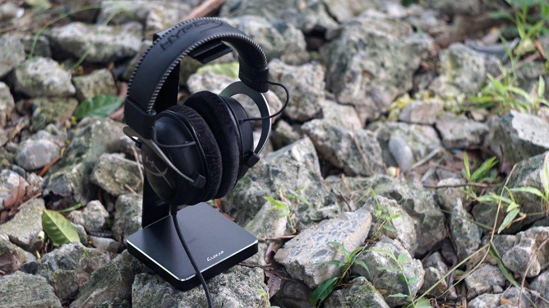 LUXA2 E-One Headset Holder (8)
