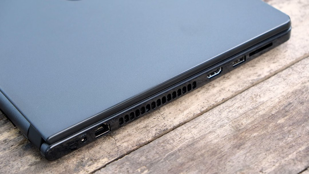 Dell Inspiron 14 5000 Images (5)