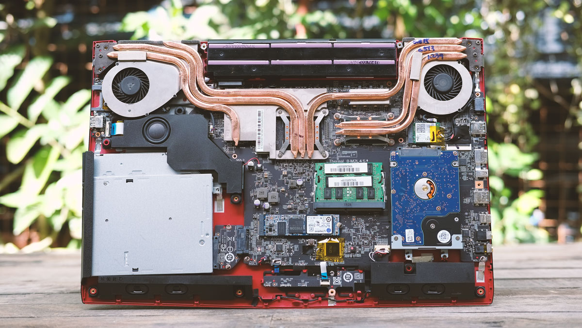 Msi Ge72vr 6rf Apache Pro Review Techporn Motherboard Diagram With The Internals In Sight We Can Actually See That Opted To Isolate Aluminum Body Another Layer Of Plastic This Should Ensure Better