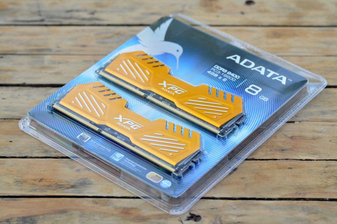 ADATA XPG V2 2400 DDR3 (1)