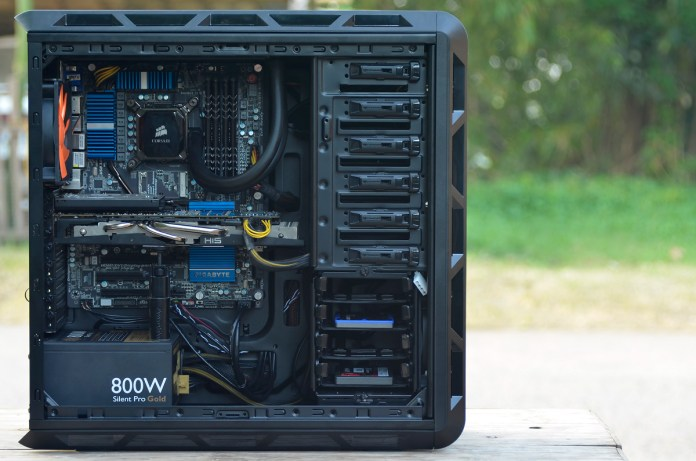 COUGAR Evolution Full Tower Review (65)