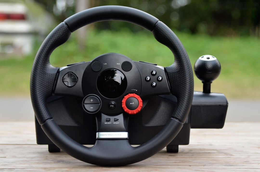 Logitech Gaming Driving Force GT (8)