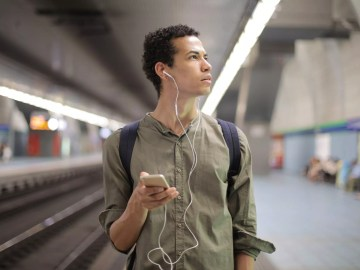 The Perfect Mobile Travel Gadgets to Keep You Entertained