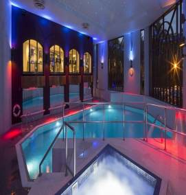 perfect spa night with automation of pool