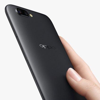 oppo-r11-profile-hands