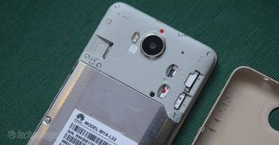 Huawei Y5 2017 Review - DualSIM/MicroSD Card