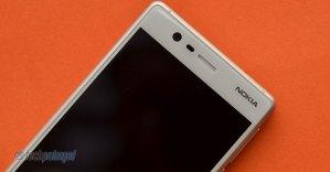 Nokia 3 Front-facing camera, sensors, earpiece
