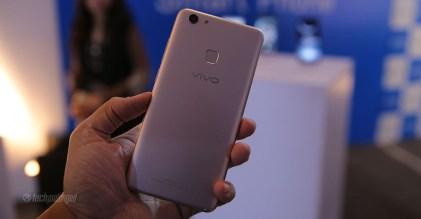 Vivo-V7-Plus-Pakistan-Hands-On-12