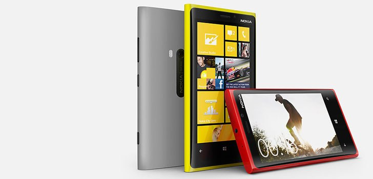 Nokia Lumia 920 and Lumia 820 Priced in India and Pre-booking surfaces in Mobile Store