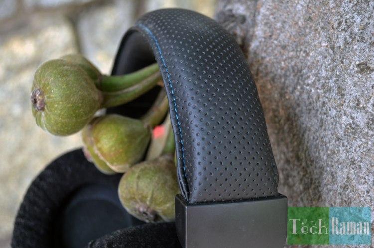 corsair-vengeance-1500-headband