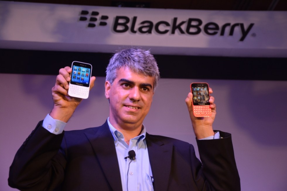 Sunil Lalvani, Managing Director-BlackBerry India, unveiling the new BlackBerry Q5 in New Delhi