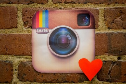 5 Quick Lessons for Giving the Gift of Tech Support to Mom This Mother's Day- Teach her to up her Instagram game