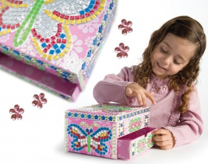 Sticky Mosaics Jewelry Box featured on TechSavvyMama.com's 2015 Best Gifts for Early Elementary Ages (ages 5-8 or grades K-2)