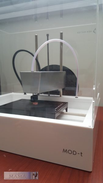 New Matter MOD-t 3D Printer is Affordable & Easy for Home Makers. Review on TechSavvyMama.com