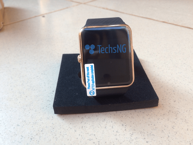 GT08 bluetooth smartwatch running android