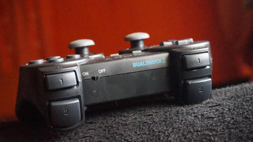 PS 2 wireless controller with switch button
