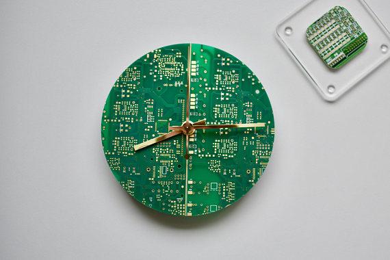 Ombre Gold Circuit Board Computer Geek Nerd Round Clock