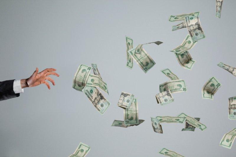 startups spending money