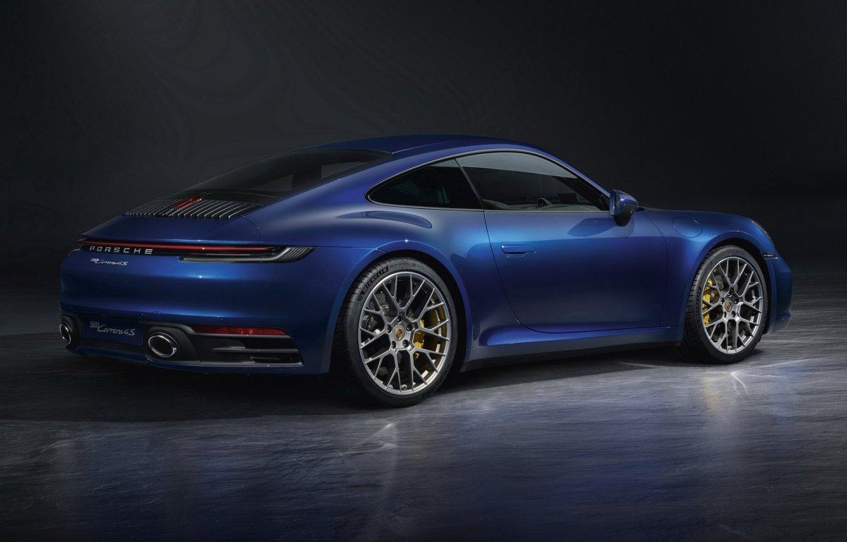 2020 Porsche 911 carrera 4S rear wing