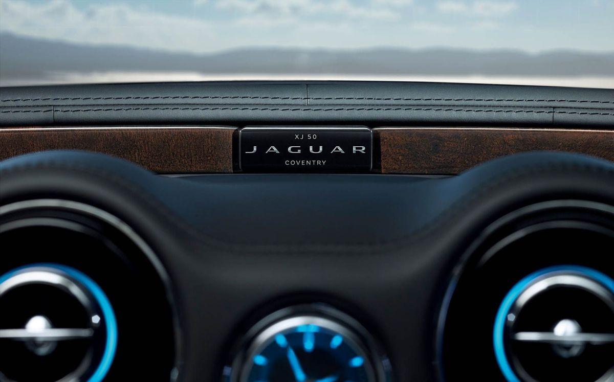 Jaguar XJ50 India interior badge