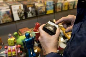 Nokia N900 lifestyle shot