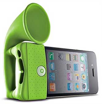 Bone Horn Stand for iPhone 4, in the green colour