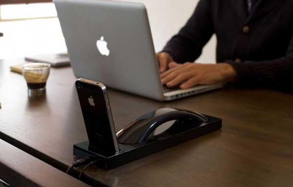 Moshi Moshi 03i Bluetooth iPhone handset, high gloss black