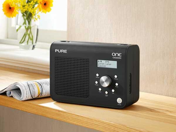 Pure ONE Classic Series II digital radio, black, lifestyle