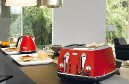 DeLonghi Icona toaster and kettle
