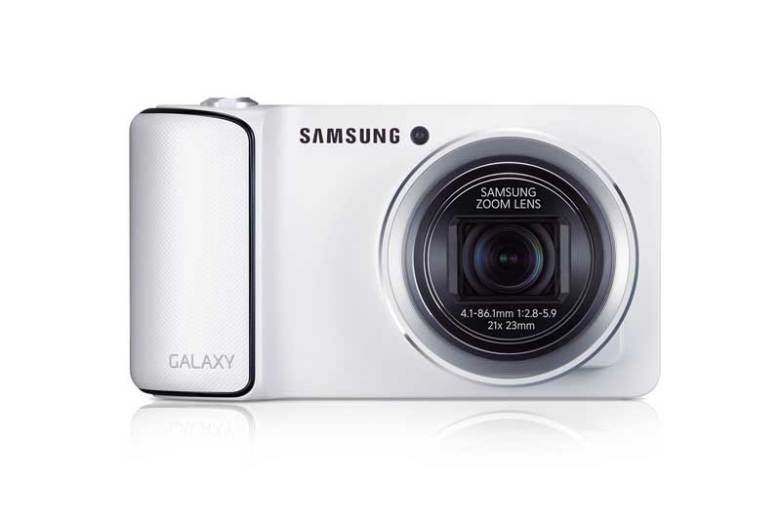 Samsung Galaxy Camera in white, front view