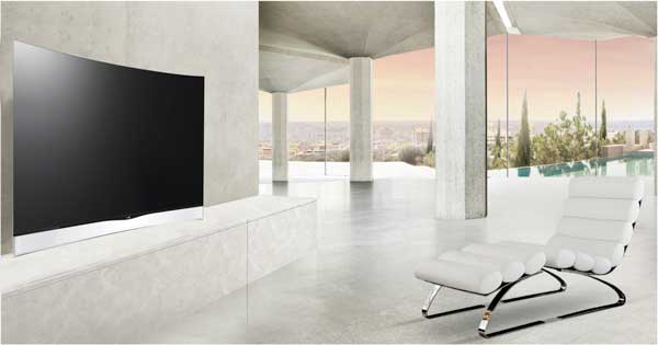 LG Curved OLED TV, lifestyle shot