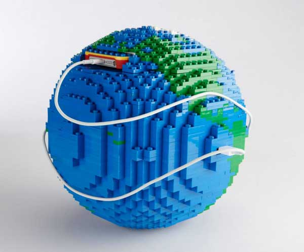 Lego Belkin iPhone case globe