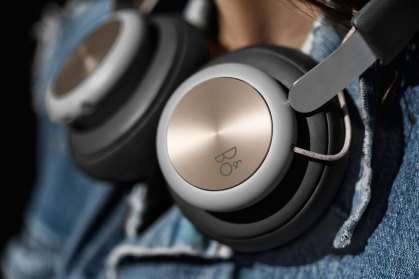 Bang & Olufsen Play H4 wireless headphones just hangin'