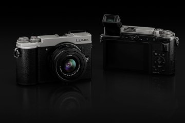 Panasonic Lumix GX9 front and back view