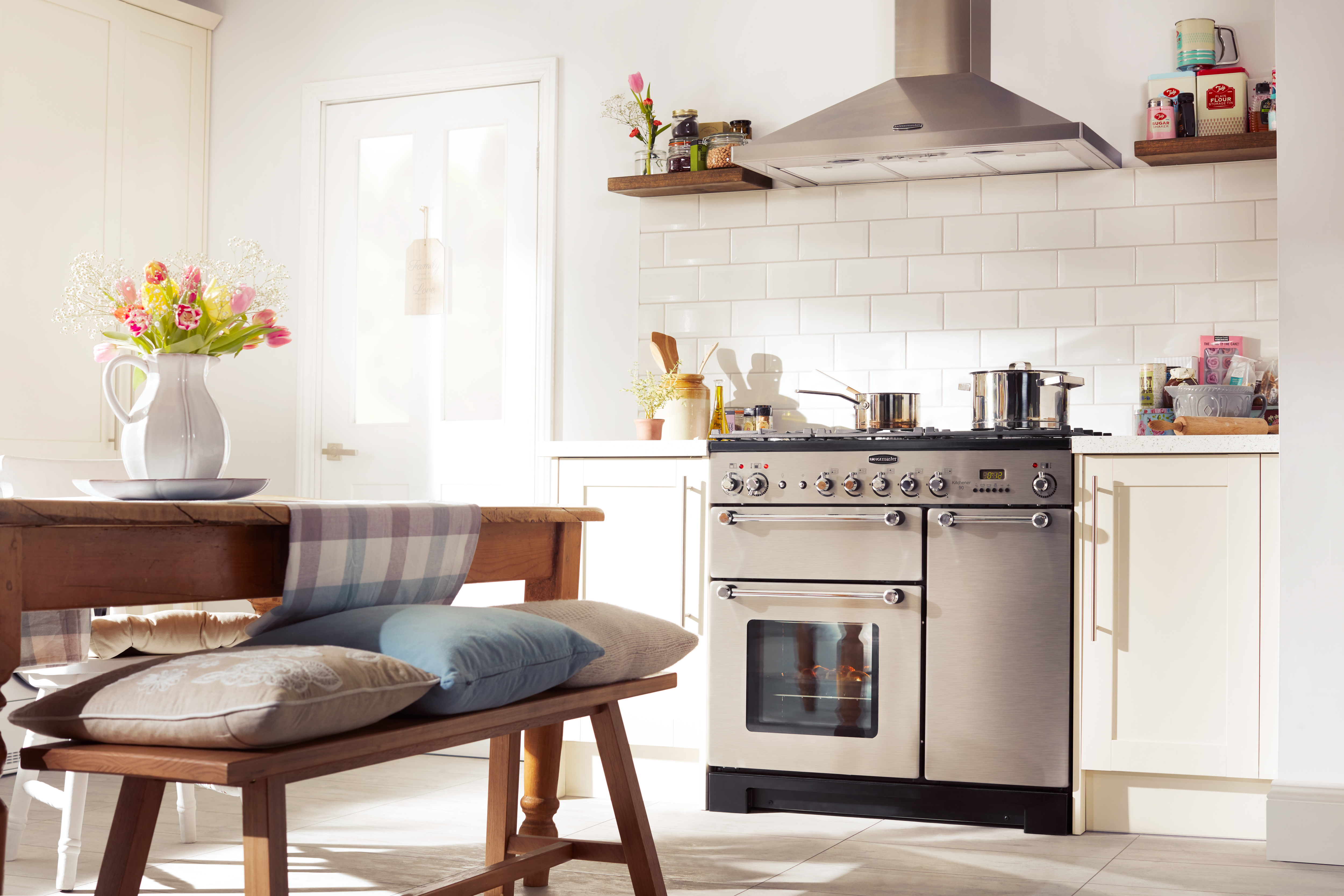 kitchen ovens cement tile cooking appliances deals currys freestanding vs built in which is right for me