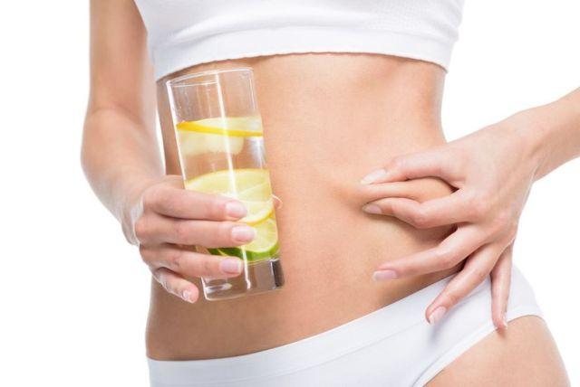 Ranní rutina - voda s citrónem